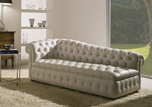 Chesterfield daybed / fabric / leather / indoor