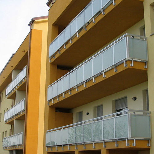 balcony with panels / glass