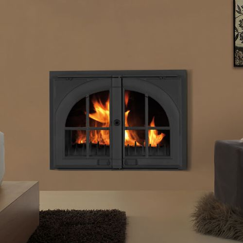 wood-burning fireplace / traditional / closed hearth / built-in