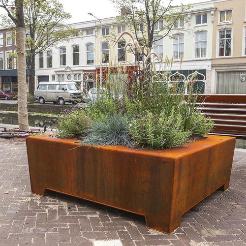 stainless steel planter - Streetlife