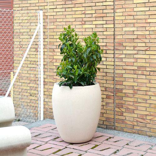 concrete planter / contemporary / for public spaces