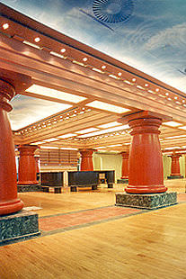 wooden column / solid wood
