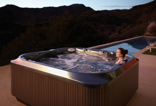above-ground hot tub / square / 6-person / outdoor