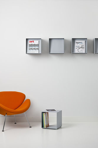 wall-mounted display rack / periodicals / metal
