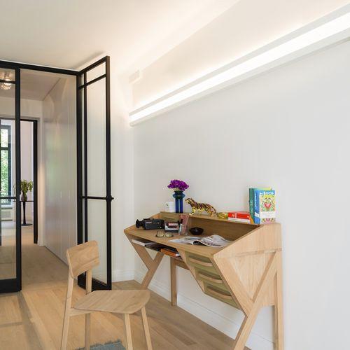 wall-mounted cornice