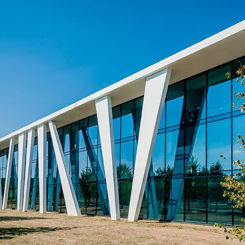 panel curtain wall / aluminum and glass / with integrated insulation / high-resistance