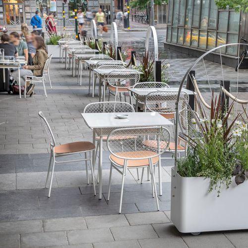 contemporary restaurant chair / steel / black / white