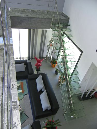 straight staircase / stainless steel frame / glass steps / without risers