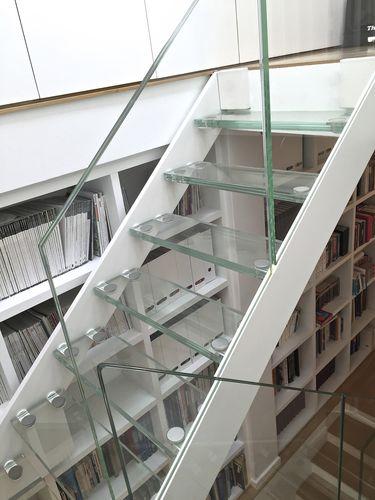 half-turn staircase