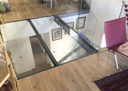steel raised access floor / glass / indoor / outdoor