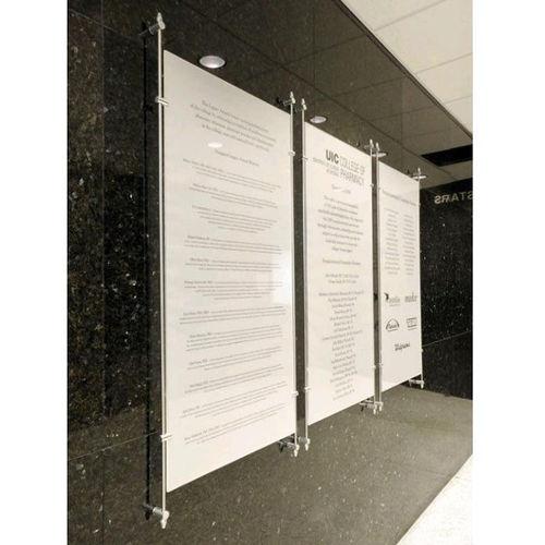 wall-mounted display panel / indoor / glass
