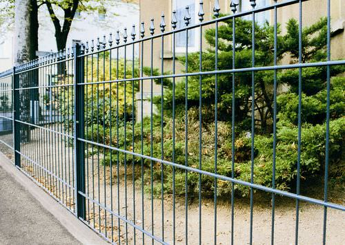 garden fence / bar / metal