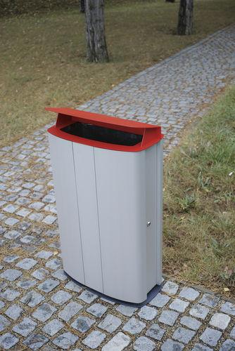 public litter bin