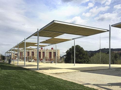 self-supporting pergola - URBADIS by Microarquitectura
