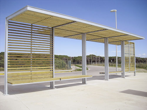 wooden bus shelter - URBADIS by Microarquitectura