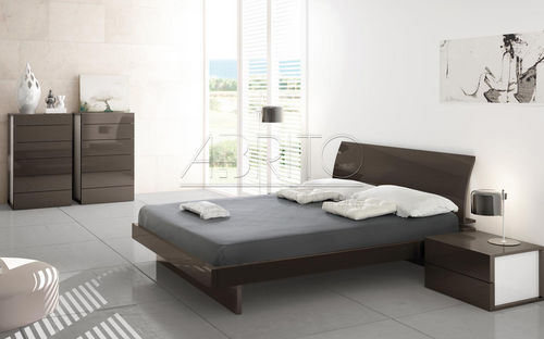 double bed / contemporary / lacquered wood
