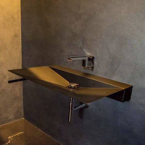 wall-mounted washbasin