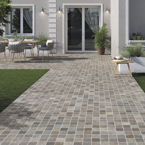 outdoor tile / floor / porcelain stoneware / 60x60 cm