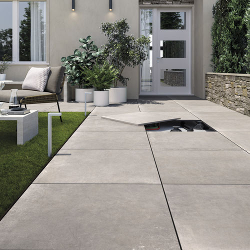 outdoor tile / floor / porcelain stoneware / square