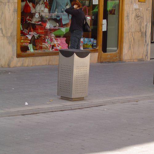 public trash can