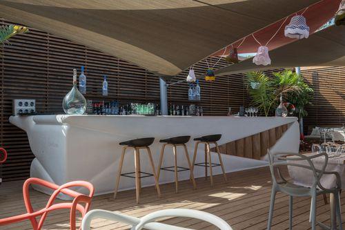 commercial garden bar