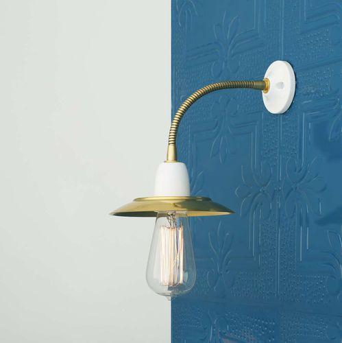traditional wall light / brass / ceramic / halogen