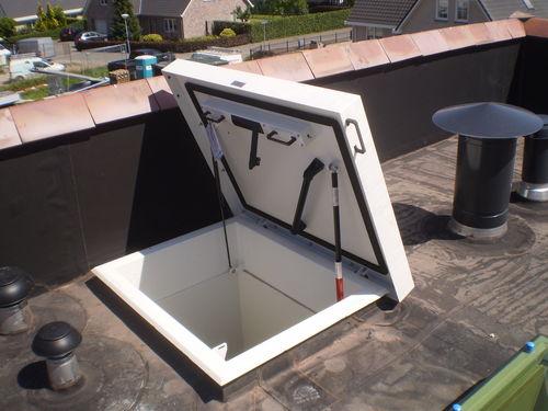 roof hatch - Staka Bouwproducten B.V.