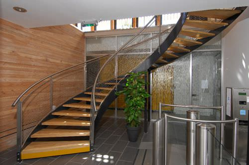 helical staircase / stainless steel frame / wooden steps / without risers