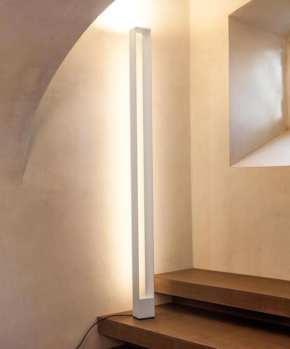 contemporary light column / aluminum / polycarbonate / LED