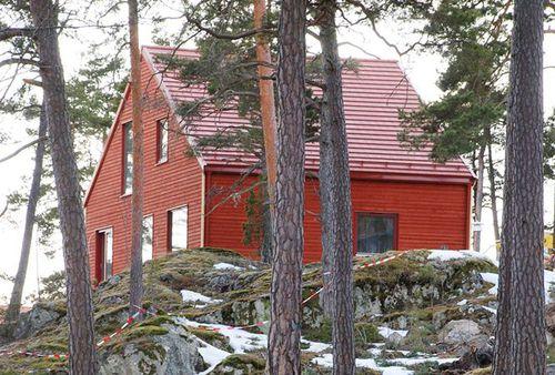 prefab house / contemporary / wooden frame