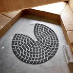contemporary rug / geometric / New Zealand wool / round