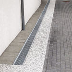 steel drainage channel / with grating / facade