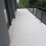 high-performance concrete paving slab / pedestrian / anti-slip / smooth