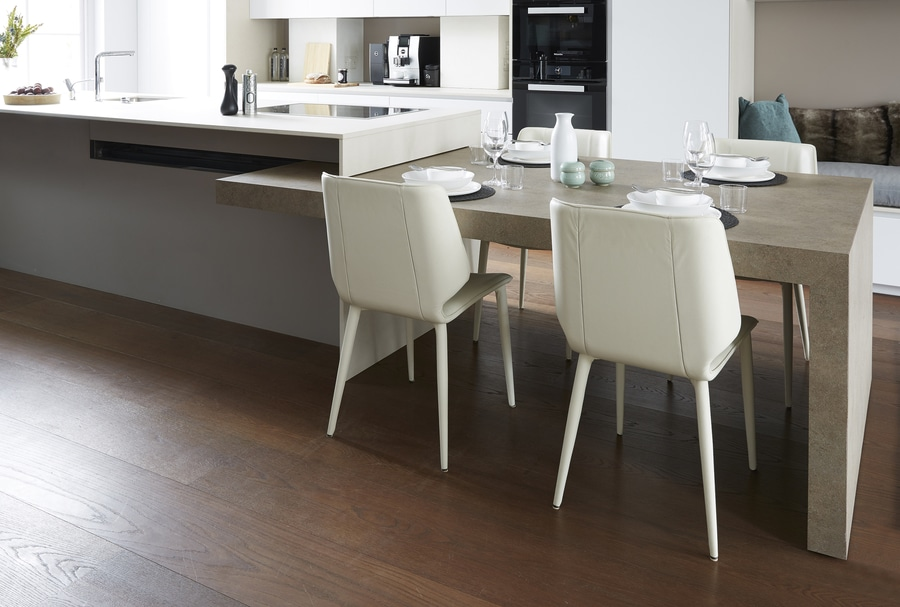 Cucina Tavolo A Scomparsa.Kitchen With Island And Extractable Table Integrated In A Living