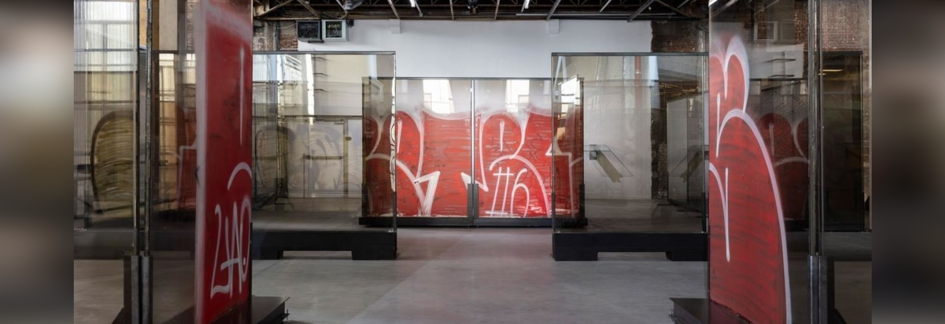 Anne Imhof, 'Natures Mortes' (2021), exhibition view, Palais de Tokyo, Paris. Photography: Andrea Rossetti. Courtesy of the artist, Galerie Buchholz and Sprüth Magers