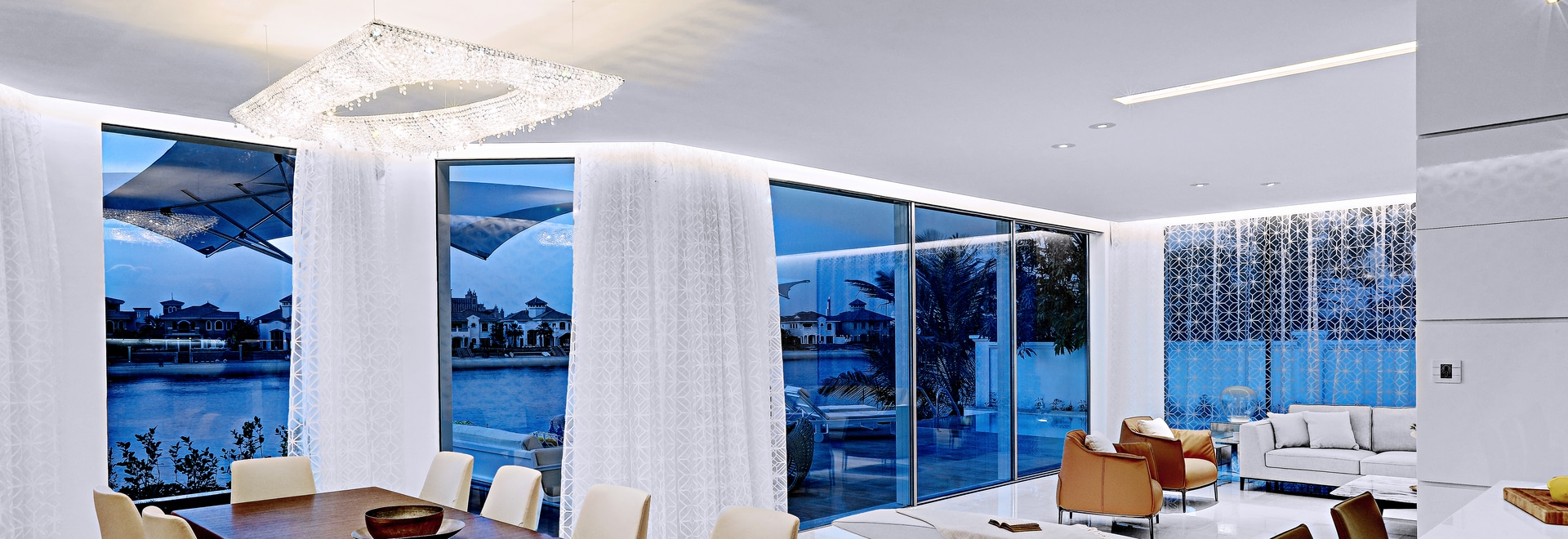 Artikoi crystal chandelier in Dubai