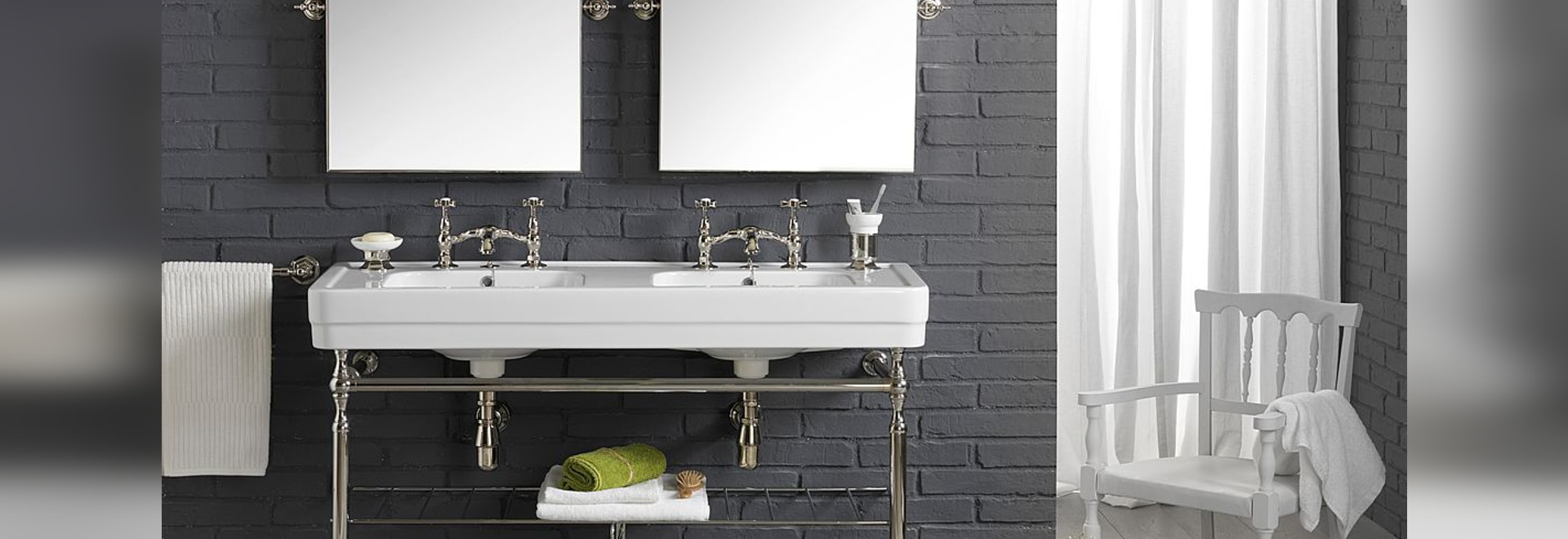 A beautiful classic style double washbasin designed by BLEU PROVENCE!