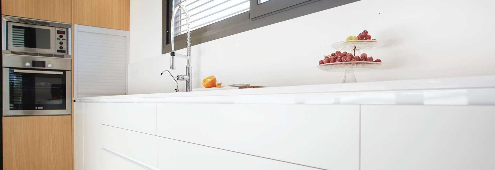 Both in the kitchen and in the bathroom, the tap is one of the main protagonists.
