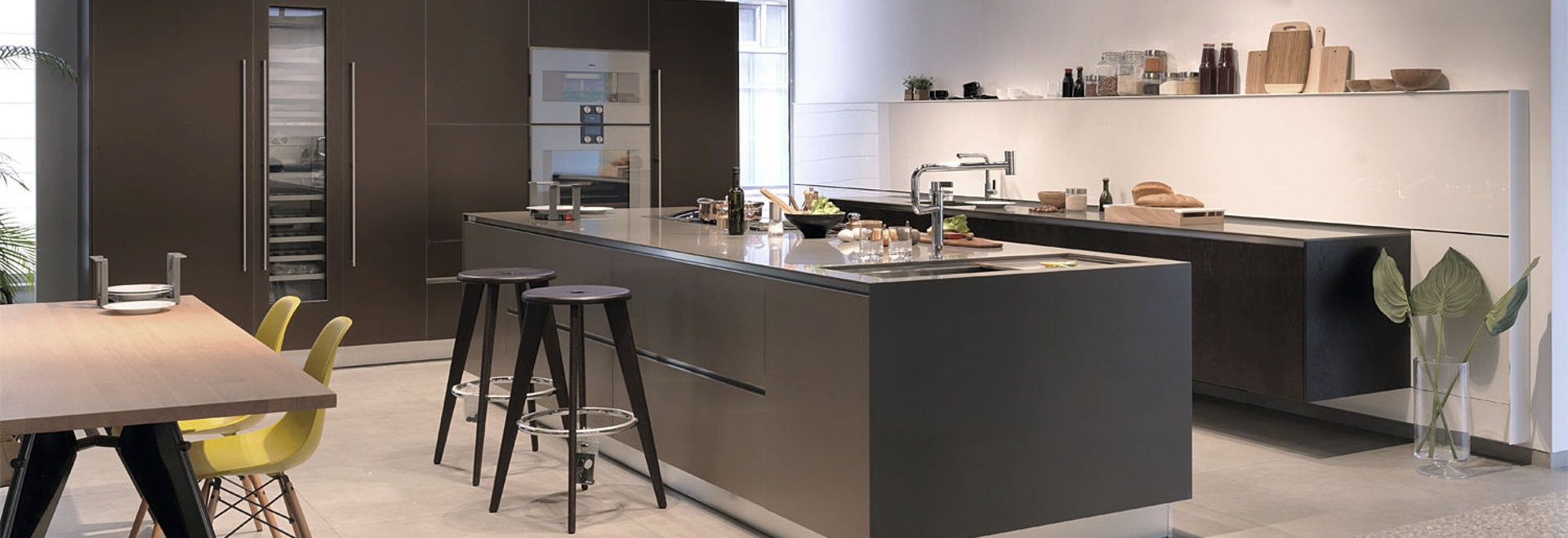BRONZE contemporary kitchen by Palitra