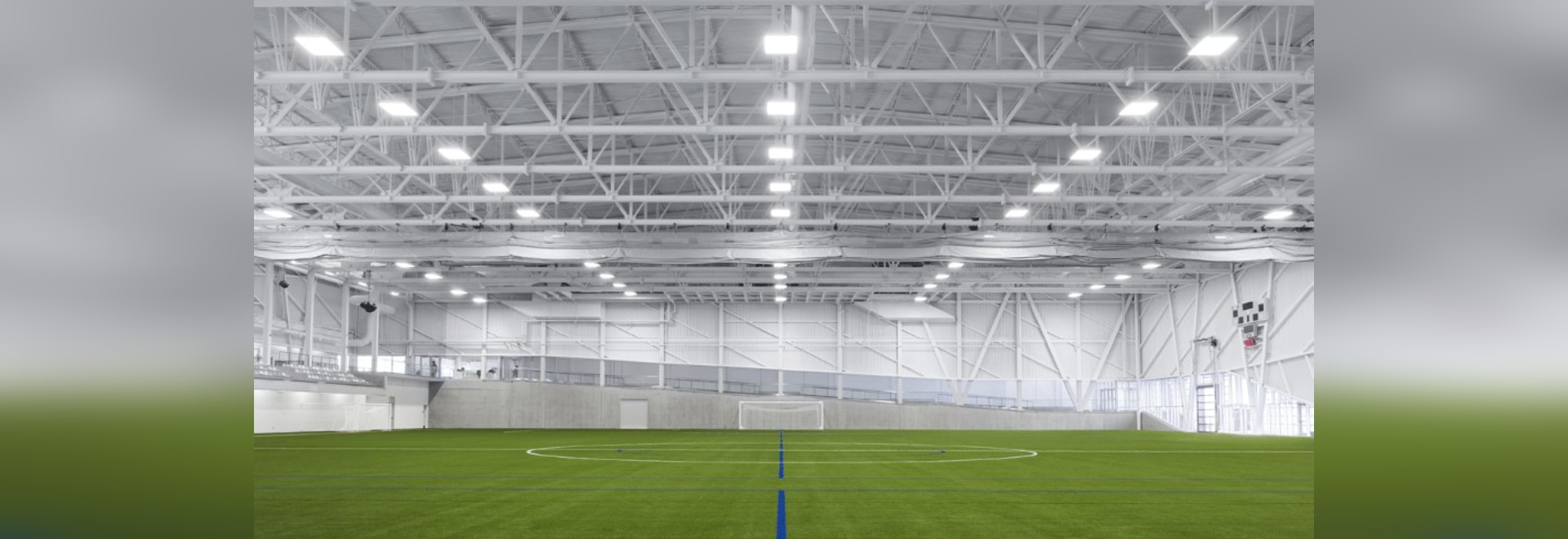CCM2 + CLC Architects, Complexe sportif Marc‐Simoneau, soccer field. Photo: Dave Tremblay