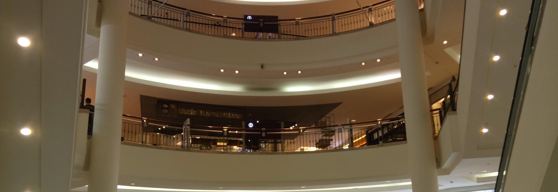 Deep Optical Darklight reflector downlight for shopping center