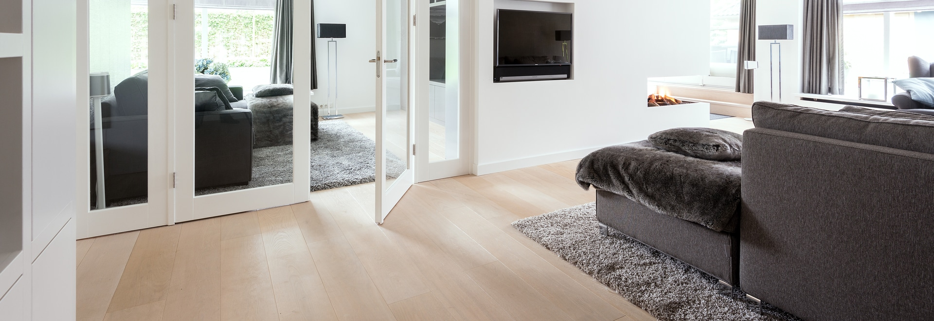 Dennebos engineered Oak floor in W.08 color