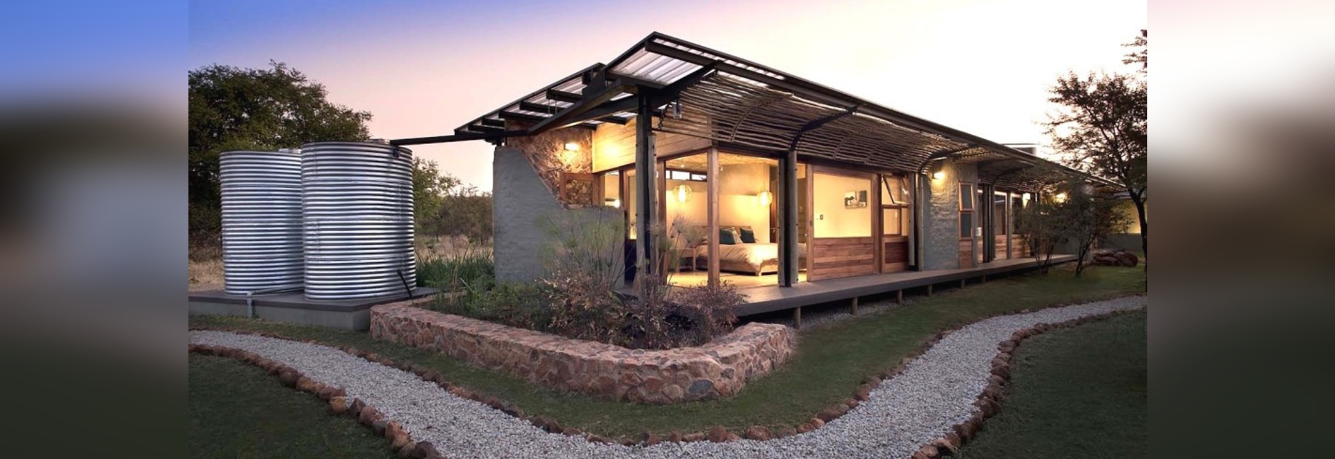 Earthy energy-smart home maintains a minimal eco-footprint in the South African bush