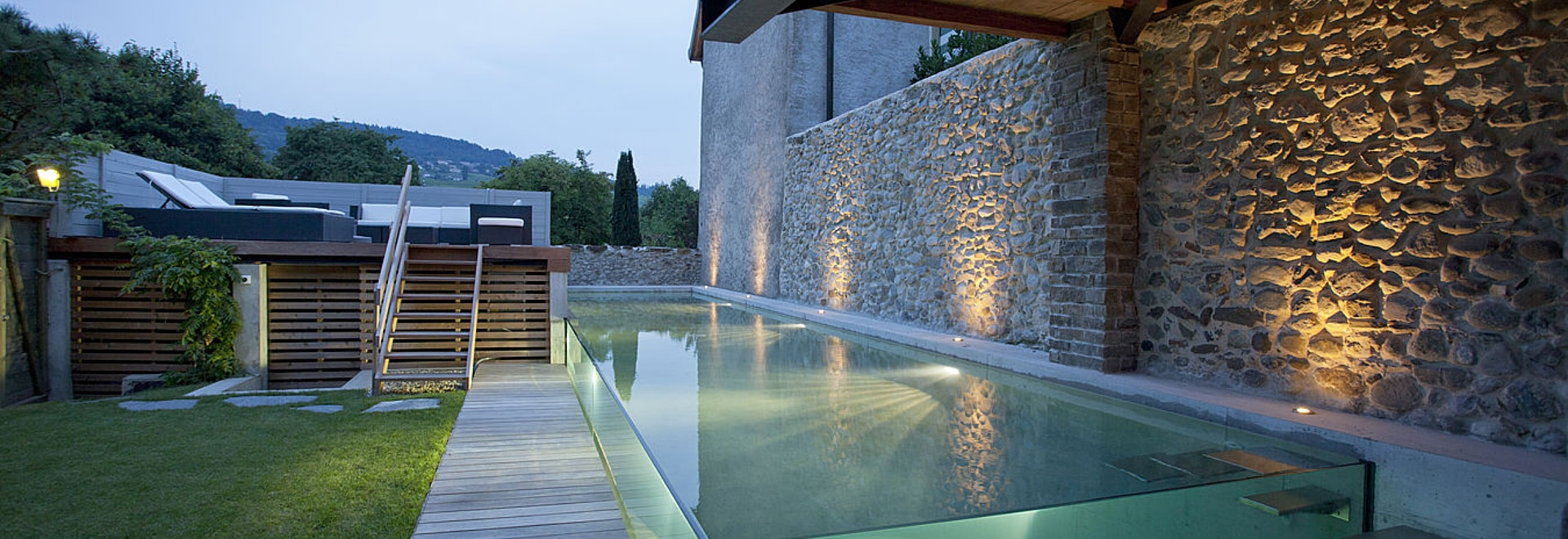 The Excelsior swimming pool with glass walls by Carré Bleu ...