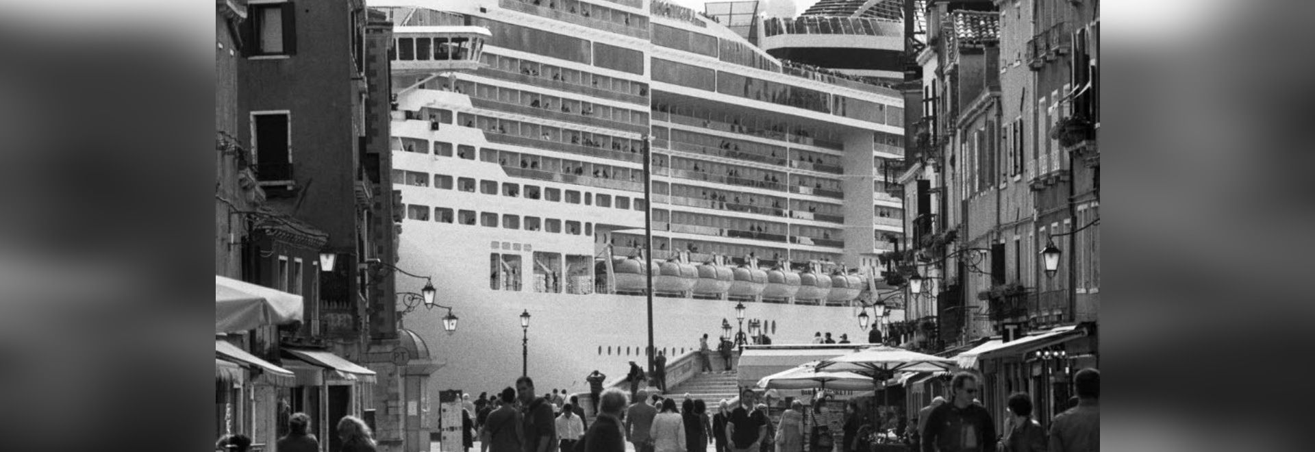 Gianni Berengo Gardin, Venezia e le grandi navi.