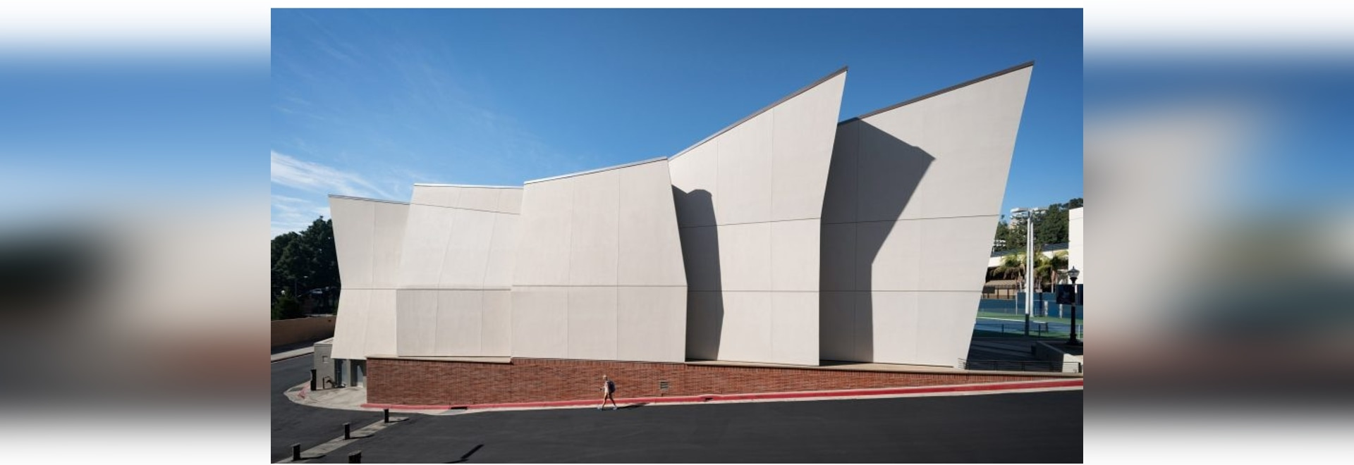 Kevin Daly Architects builds crinkled complex for UCLA's basketball teams