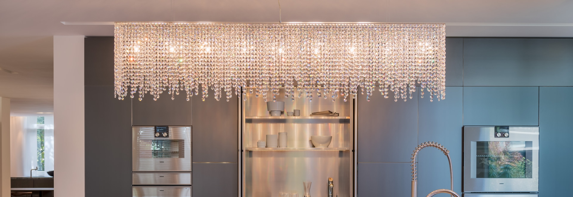 Linea crystal chandelier
