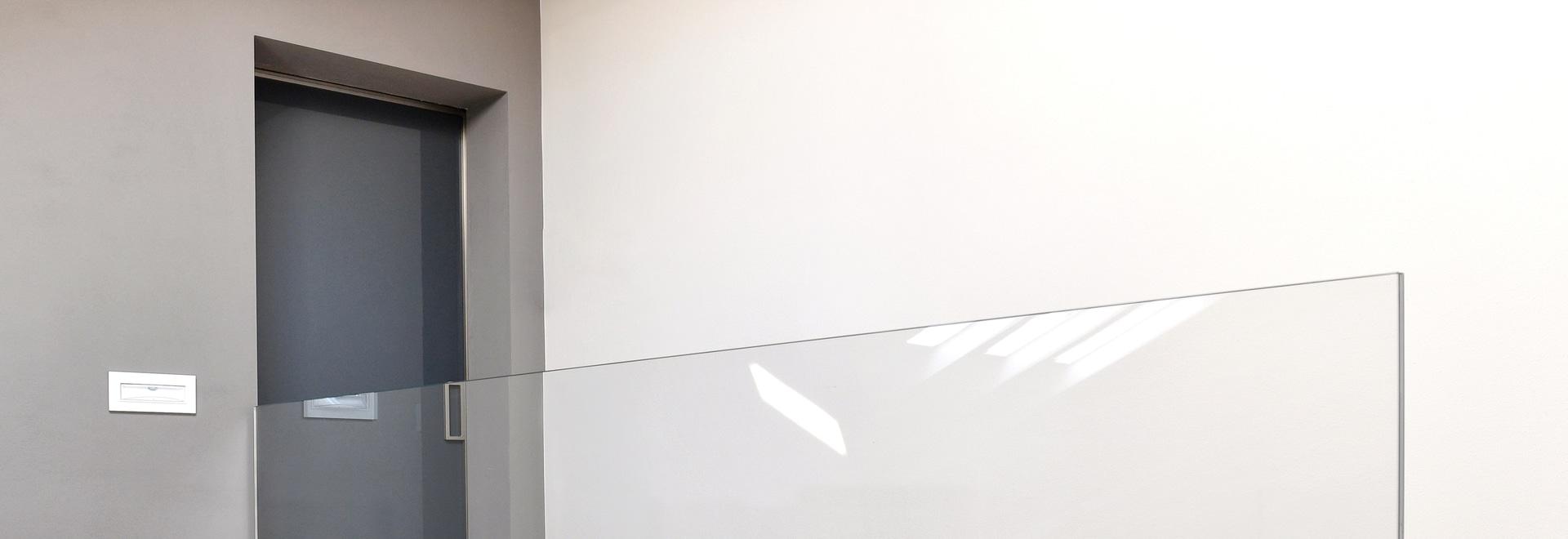 Manhattan sliding doors: minimal and contemporay lines