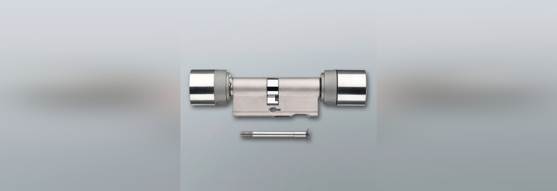 NEW: electronic door lock cylinder by Simons-Voss