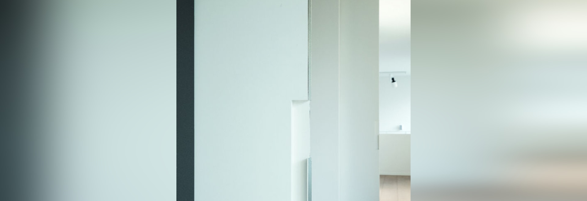 NEW: glass sliding door system by XINNIX DOOR SYSTEMS